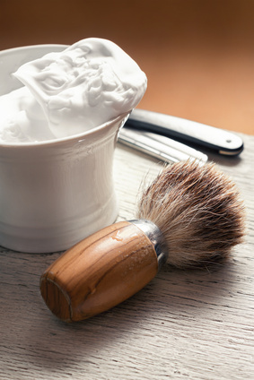 MENS TRADITIONAL SHAVE ITEMS