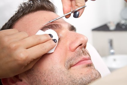 Mens Skin care grooming tip-Clean up eyebrows