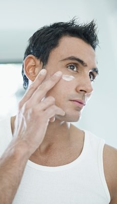 FACIAL SKIN CARE TREATMENT -MOISTURIZE FOR MEN